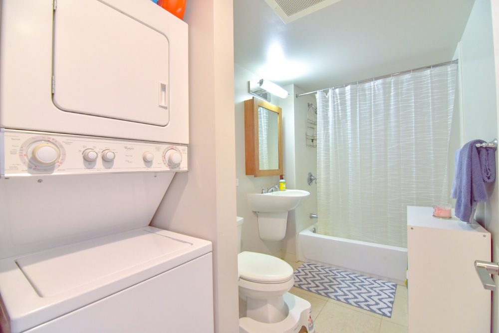 2nd Full Bath with Washer Dryer