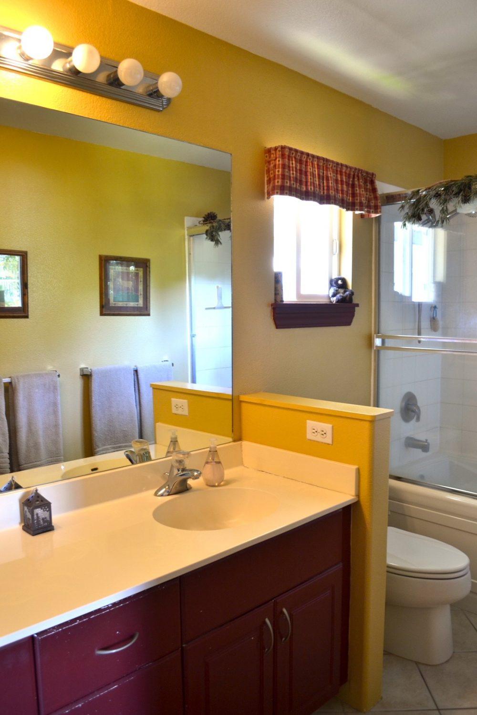 87-1131_bathroom