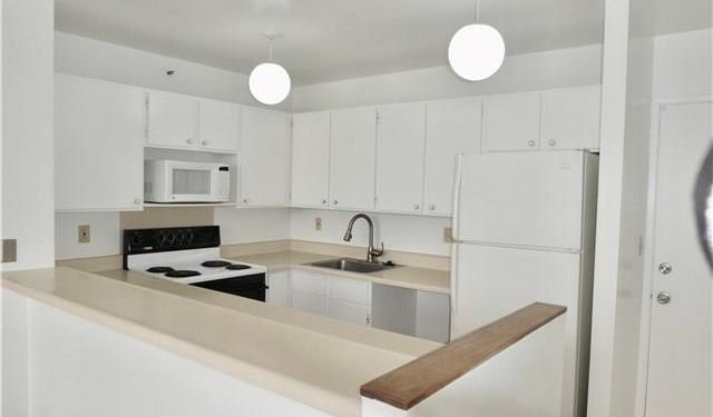 Photo of kitchen for Koauka Loop apartment, on behalf of Aloha Pacific Premier Realty
